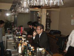 fc3e04eae0c90 グラスを傾ける方が 自立化塾の仕掛け人の京都産業21の石田氏! でございます。 最後の最後まで残ってくださったのが6名… ありがとうございます。